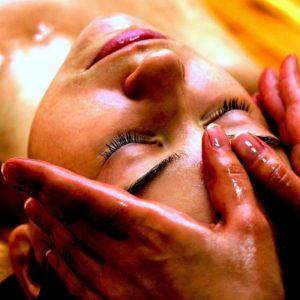 BASTI Esterni, trattamento di oli medicati su parti specifiche del corpo